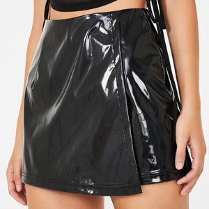 4 for $45❣️NWT The Ish in Bish Patent Skort